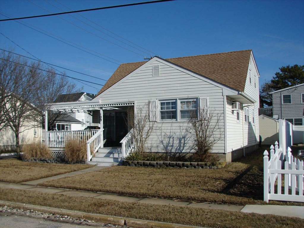 109 53rd Street, Ocean City  Floor: 1st