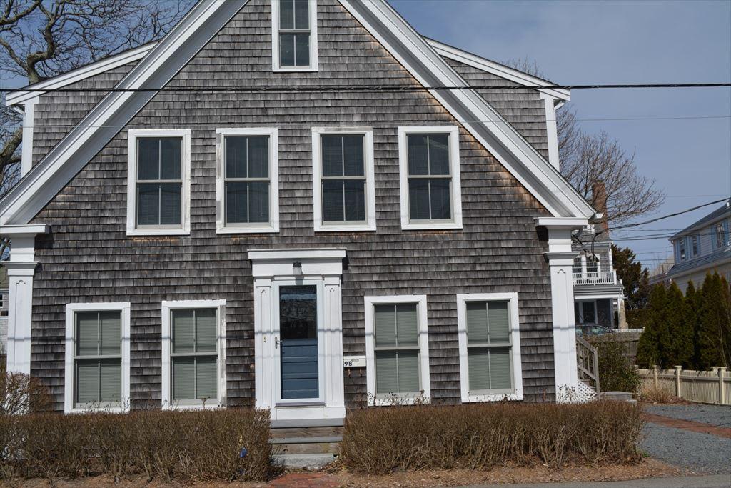 19 Pleasant Street, Provincetown Unit: 1 Floor: 1st