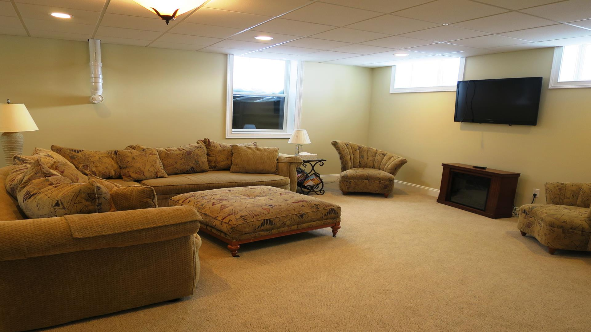 Lower level family room with flat screen TV